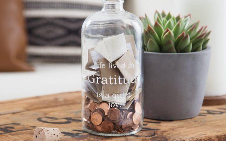 """Como valorizar as pequenas conquistas: aprenda a fazer um """"pote da gratidão"""""""